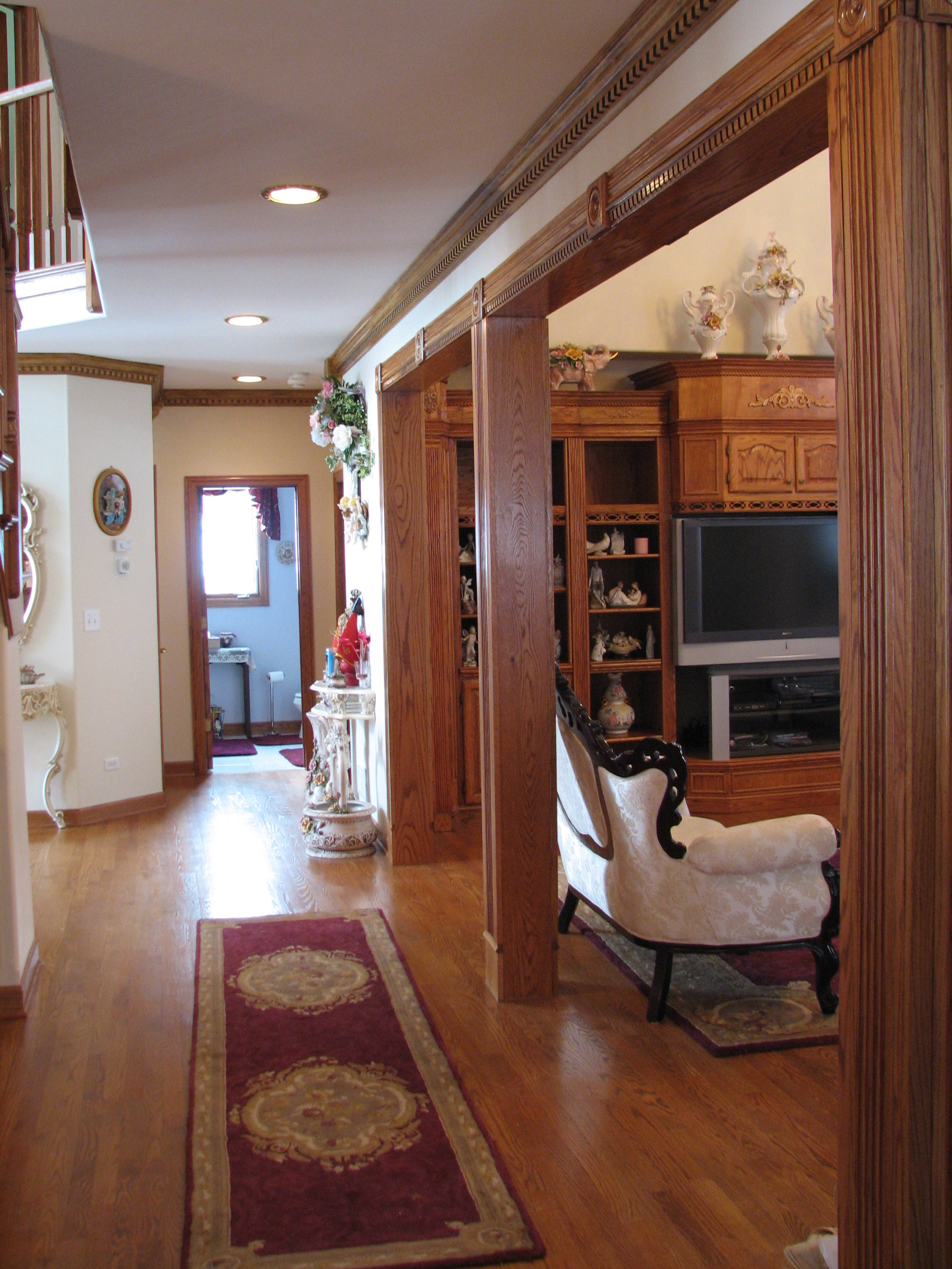chicago palos park tinley park crestwood oak forest painting contractor wallpaper carpentry ceramic tile vinyl tile wood molding